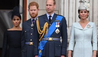 Meghan Markle, Prinz Harry, Prinz William und Kate Middleton: Gute Stimmung sieht anders aus. (Foto)