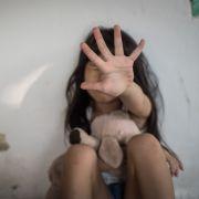 Männer-Trio vergewaltigt Mädchen (12) monatelang (Foto)