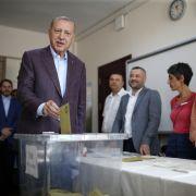 Schlappe für Erdogan-Partei! Oppositionskandidat gewinnt Wahl in Istanbul (Foto)
