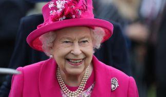 Gegen den Wind ist auch Queen Elizabeth II. machtlos. (Foto)