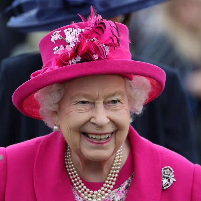 Wie peinlich! Königin Elizabeth öffentlich bloßgestellt (Foto)