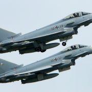Zwei Flieger der Luftwaffe vom Typ