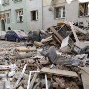Wohnhaus nach Explosion eingestürzt! Tote und Schwerverletzte (Foto)