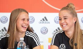 Klara Bühl (l) und Giulia Gwinn. (Foto)