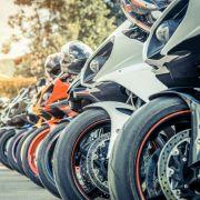 Crash-Unfall! Ducati-Fahrer (36) stirbt wenige Meter vor dem Ziel (Foto)