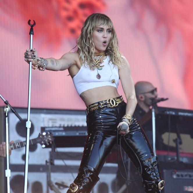 Mit DIESER irren Nippel-Show provoziert Miley so richtig! (Foto)