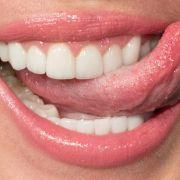 DIESES Obst macht Ihre Zähne weiß! (Foto)