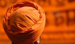 Darf ein Motorradfahrer aus religiösen Gründen auf einen Helm verzichten? (Symbolbild) (Foto)