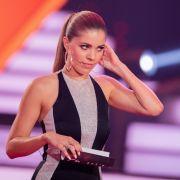 Sexy Busen-Blitzer! Moderatorin verführt Fans mit Mega-Ausschnitt (Foto)