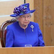 Queen Elizabeth II. wurde von einem dreisten Eindringling in ihrer Nachtruhe gestört.