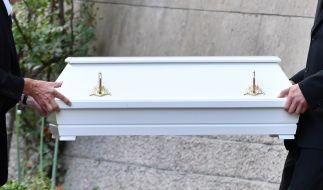 Der Tod eines Kindes lässt vor allem die Eltern in Schock zurück. (Symbolbild) (Foto)