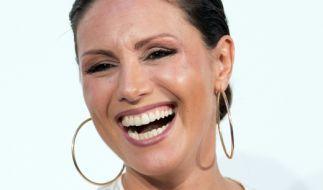 Nazan Eckes hat gut lachen - winkt der Moderatorin eine vielversprechende Zweitkarriere als Bademodenmodel? (Foto)