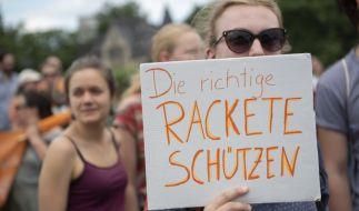 Menschen fordern, wofür Kapitänin Rackete steht: Konsequentes Handeln bei der Migrationspolitik (Foto)