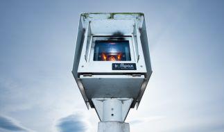 Der Einsatz des Blitzers Traffistar S350 wurde im Saarland vom Verfassungsgericht verboten. Bußgeldbescheide könnten ungültig sein. (Symbolbild) (Foto)