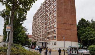 In Halle an der Saale nahm die Polizei den Verlobten der Getöteten fest. Das Motiv für die brutale Tat ist noch unklar. (Foto)