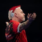 Frohe Weihnachten! Bei der Darts-Weltmeisterschaft im Dezember 2018 überraschte Peter Wright seine Fans mit einem festlichen Look, der den Weihnachtsmann vor Neid erblassen ließ.