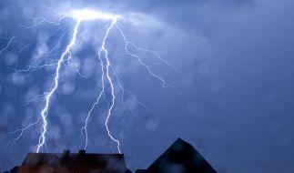 Bevor die Hitzewelle Deutschland erreicht droht Unwetter. (Foto)