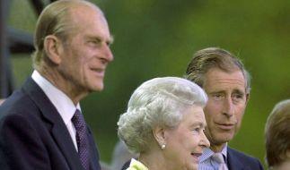 Daran konnte auch die Queen nichts ändern: Das Verhältnis zwischen Prinz Philip und Prinz Charles soll nicht gerade zum Besten stehen. (Foto)