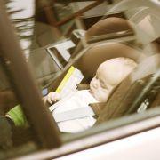 Babys sterben qualvollen Hitzetod im Auto, während Vater arbeiten geht (Foto)