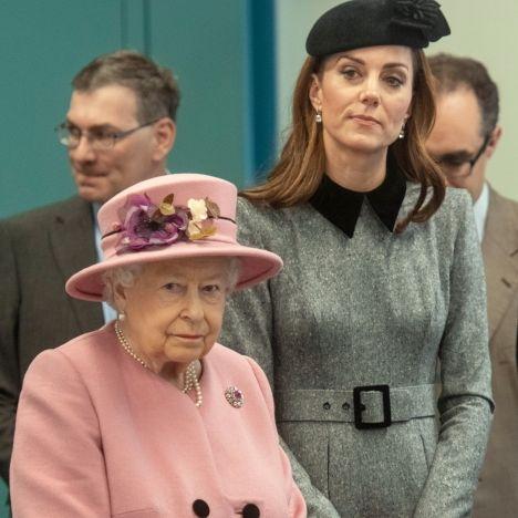 Wegen Queen Elizabeth! HIER bricht die Herzogin das royale Protokoll (Foto)