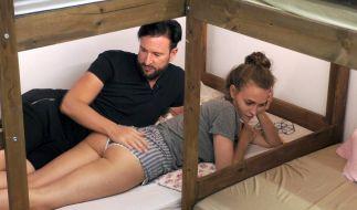 Laura liebt es, wenn ihr Michael ihren Popo streichelt. (Foto)