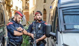 In Spanien konnte die Polizei bei einer Geiselnahme verhindern, dass einem Mann die Kehle durchgeschnitten wird. (Symbolbild) (Foto)