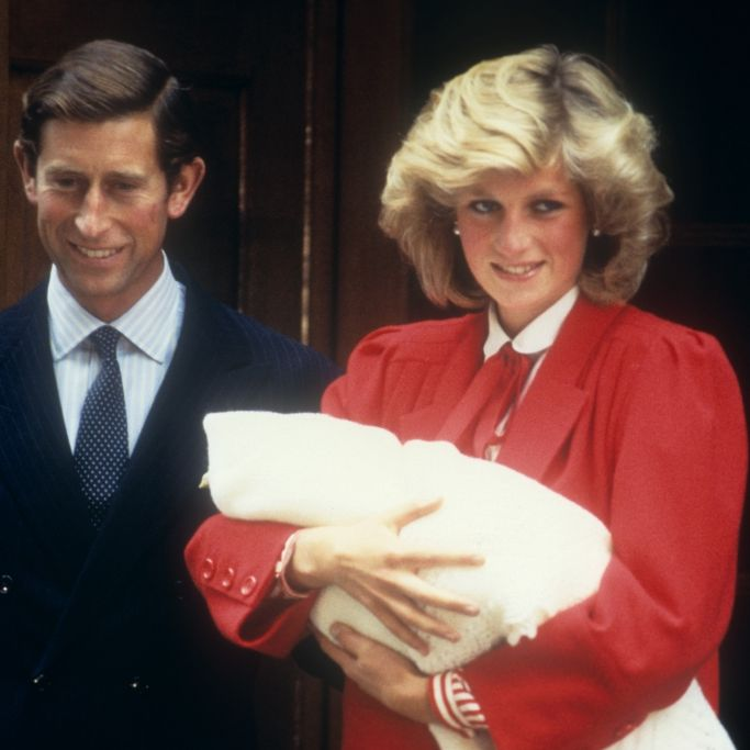 Flogen DESHALB die Fetzen zwischen Queen Elizabeth II. und Lady Di? (Foto)