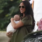 Mega-Knatsch! Herzogin Meghan offenbar mit Baby Archie geflohen (Foto)