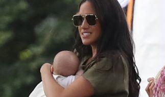 Wahnwitzige Gerüchte behaupten, Meghan Markle sei mit ihrem im Mai 2019 geborenen Sohn Archie Harrison Mountbatten-Windsor nach einem Ehestreit mit Prinz Harry auf der Flucht. (Foto)