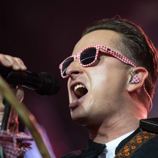 Konzert abgesagt! Sänger gibt Update aus dem Krankenhaus (Foto)