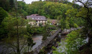 In dieser Pension wurden die drei Passauer Armbrust-Opfer gefunden. (Foto)