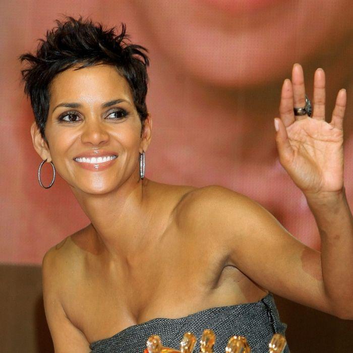 Nippel-Alarm! 53-jährige Schauspielerin zieht blank (Foto)
