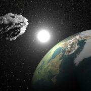 DIESE 2 Weltraum-Giganten schrammten an Erde vorbei (Foto)