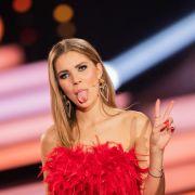 Unten ohne? DIESES Mini-Kleid lässt Fans rätseln (Foto)