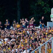 Zustand kritisch! Dynamo-Dresden-Fan im Stadion schwer verletzt (Foto)