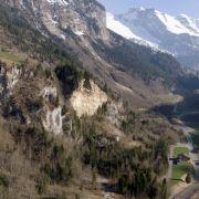 Kleinflugzeug in der Schweiz abgestürzt - Kleinkind unter Todesopfern (Foto)