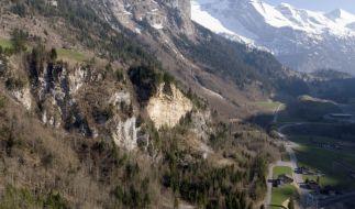 Ein Kleinflugzeug ist in den Schweizer Alpen abgestürzt. (Foto)