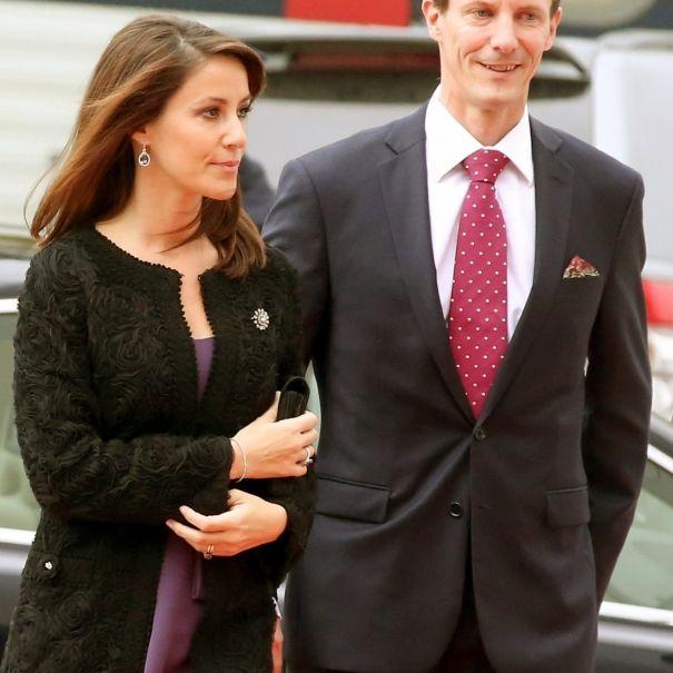 Die Königsfamilie verlässt das Land! Mit süßem Familienzuwachs ziehen sie nach Frankreich (Foto)