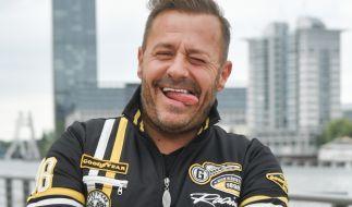 Willi Herren gewinnt das Spiel mit der Zunge (Foto)