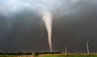 """Ein """"brutaler Tornado"""" streifte durch Spanien. (Symbolbild) (Foto)"""