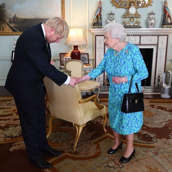 Politiker empört! Queen macht Briten-Parlament vorerst dicht (Foto)