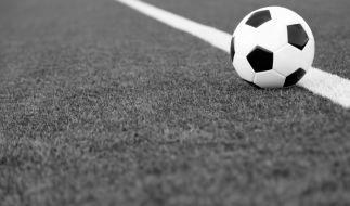 In bayern ist ein 22-jähriger Nachwuchsfußballer bei einem Unfall tödlich verunglückt. (Foto)