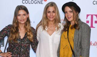 Tanja Lanäus , hier in der Mitte zu sehen, bei der Eröffnung des Film Festivals Cologne. (Foto)