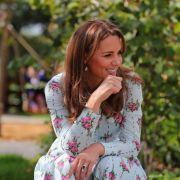 Herzogin Kate im Baby-Glück! HIER wird Meghan Markle ausgestochen (Foto)