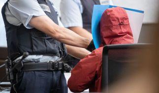 Bei einem Unfall mit einem Sportwagen sind in Stuttgart zwei Menschen gestorben - der Unfallfahrer muss sich jetzt vor Gericht wegen Mordes verantworten. (Foto)