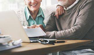 Die Rentner in Deutschland können sich über eine Rentenerhöhung freuen. (Foto)