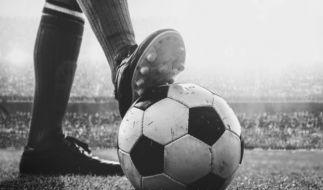Der Fußballer Kelvin Maynard wurde in Amsterdam in seinem Auto erschossen. (Symbolbild) (Foto)