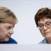 Bei Merkel rausgeflogen! AKK düst in fast leerem Flugzeug in die USA (Foto)