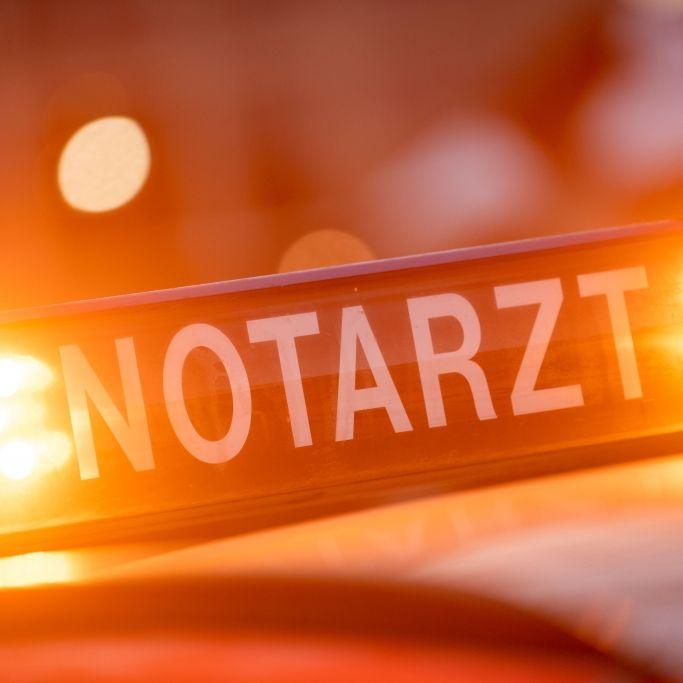 Rettungswagen dreist umgeparkt - Patientin (85) in Lebensgefahr (Foto)