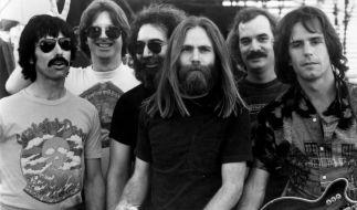 Robert Hunter ist tot. Das Mitglied der Band Grateful Dead (2.v.r.) verstarb am Montag. (Foto)